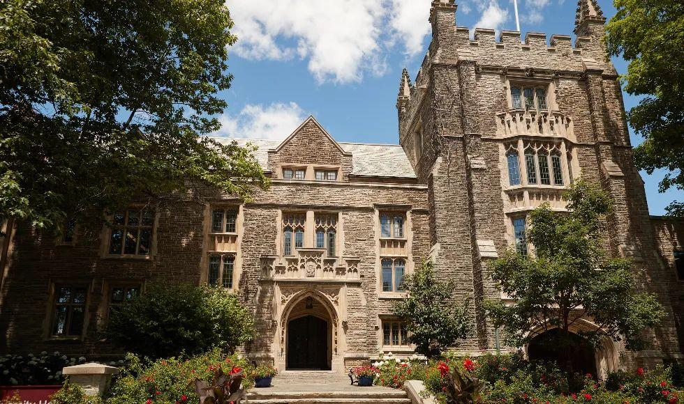作为最富创造力的学府之一,这所大学对在校生有哪些要求?